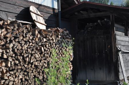 大鹿村 薪小屋